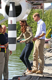 "Kate opted for a ""811"" Mid-Rise Skinny Pant with a brown belt and button-down blouse for a visit to Yellowknife."