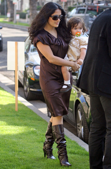 More Pics of Salma Hayek Leather Hobo Bag (1 of 9) - Leather Hobo Bag Lookbook - StyleBistro