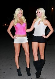 Karissa Shannon looked foxy at Eden Nightclub in a pink corset top and short shorts.