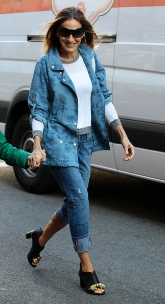 More Pics of Sarah Jessica Parker Denim Jacket (2 of 27) - Sarah Jessica Parker Lookbook - StyleBistro