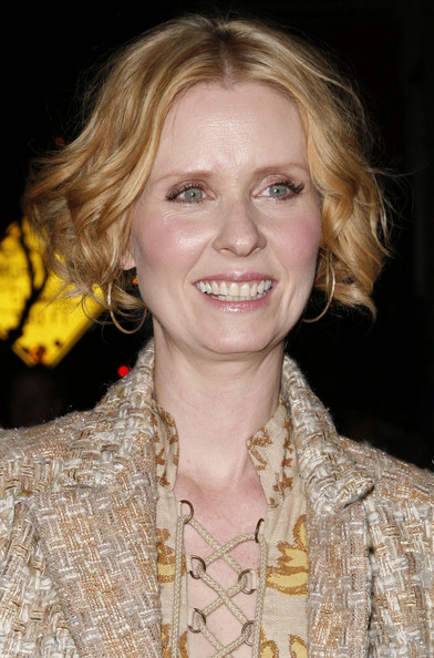 More Pics of Cynthia Nixon Gold Hoops (1 of 5) - Cynthia Nixon Lookbook - StyleBistro
