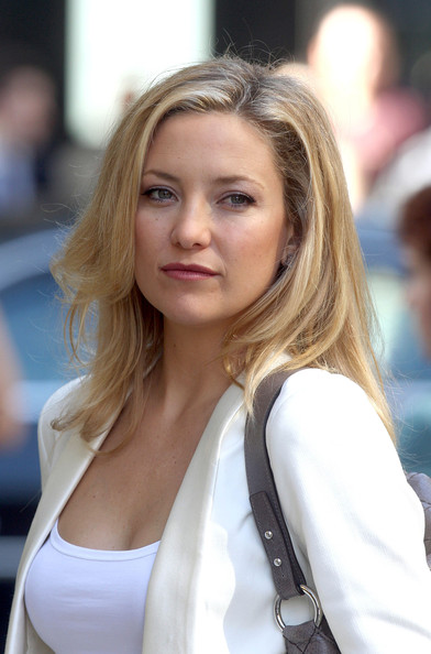 More Pics of Kate Hudson Long Side Part (1 of 5) - Long Hairstyles Lookbook - StyleBistro []