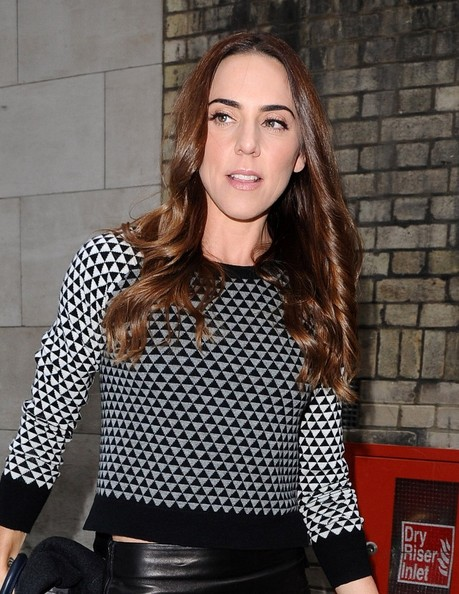 More Pics of Mel C Knee Length Skirt (1 of 7) - Dresses & Skirts Lookbook - StyleBistro