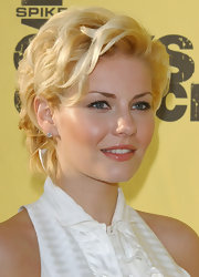 Elisha Cuthbert looked glamorous in a chic bobby pinned updo at Spike TV's Guy's Choice event.