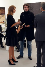 Antoine Arnault matched his outfit with a pair of leather shoes.