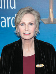 Jane Lynch sported a layered razor cut at the 2018 Writers Guild Awards.