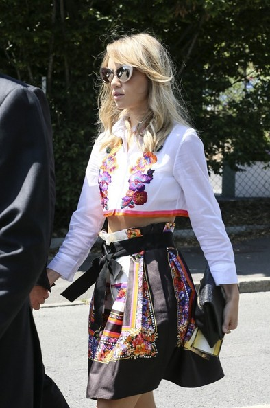Suki Waterhouse Mini Skirt