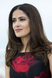 Salma Hayek styled her hair with feathery ends for the 'Tale of Tales' photocall.
