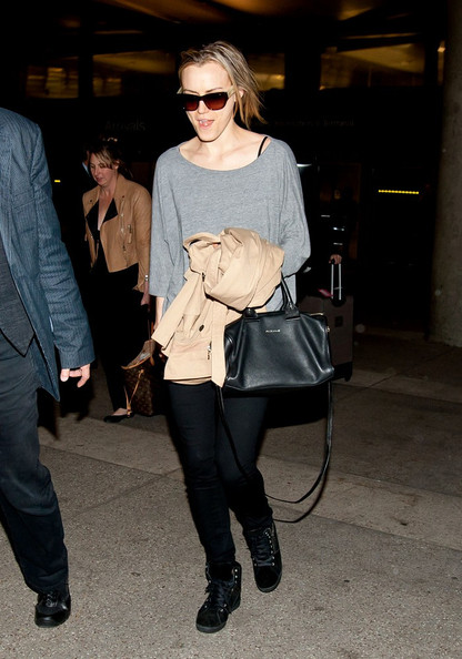 Taylor Schilling Leather Tote []