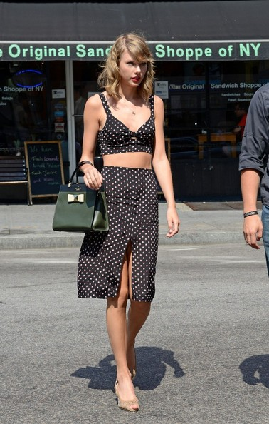 Taylor Swift Knee Length Skirt