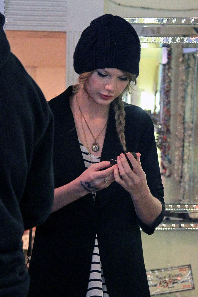 More Pics Of Taylor Swift Knit Beanie 10 Of 22 Taylor