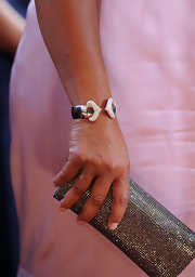 Queen Latifa strolled down the red carpet at the Academy Awards sporting some major arm candy. Her crystal inlaid clutch was very eye-catching.
