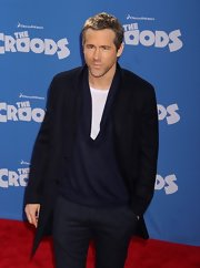 Ryan Reynolds opted for a super casual look a 'The Croods' premiere when he wore this three-button navy jacket.