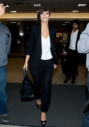A long black blazer gave Frankie Sandford a dressed up but still casual look while traveling.