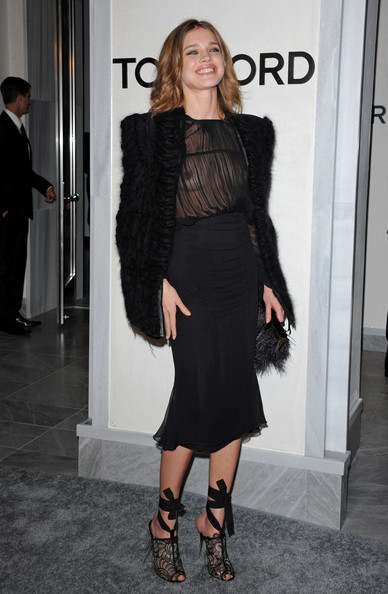 More Pics of Natalia Vodianova Knee Length Skirt (1 of 10) - Natalia Vodianova Lookbook - StyleBistro
