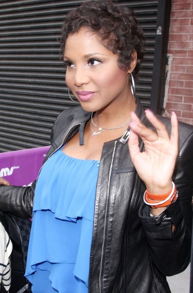 More Pics of Toni Braxton Short Curls (1 of 21) - Toni Braxton Lookbook - StyleBistro