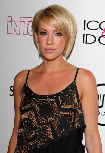 More Pics of Farah Fath Short Side Part (1 of 1) - Short Hairstyles Lookbook - StyleBistro []