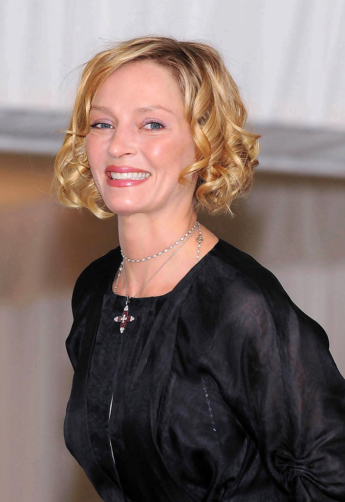 uma thurman hairstyles : Uma Thurman Short Curls - Hair Lookbook - StyleBistro