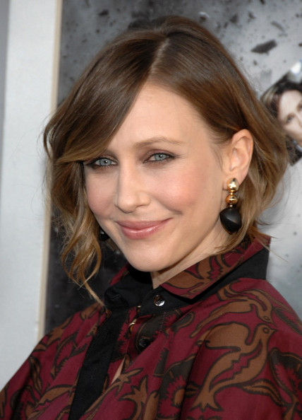 Vera Farmiga Dangle Decorative Earrings