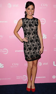 Melissa Rycroft knows you can't go wrong with a little lace dress.