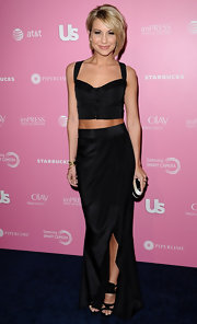 Chelsea's elegant black faux-wrap skirt had a subtle slit to add to the hotness of her Hot Hollywood look.