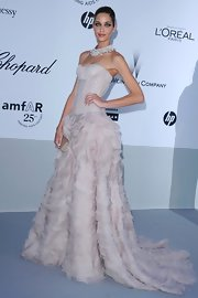 Ana Beatriz Barros looked jawdropping in a strapless mauve corset dress with a flouncy skirt at the amfAR Cinema Against AIDS Gala.