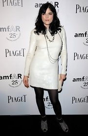 Selma Blair wore chain link necklaces in gunmetal vintage filigrees and Swarovski crystal at the amfAR Inspiration gala.