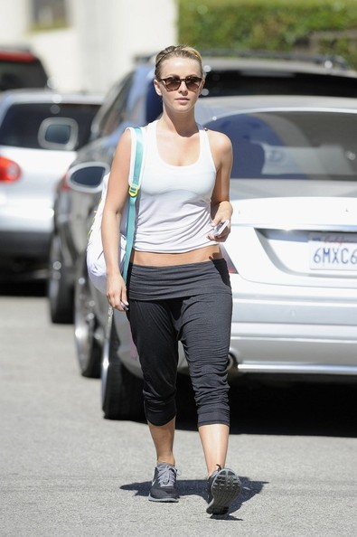 More Pics of Julianne Hough Leggings (1 of 7) - Julianne Hough Lookbook - StyleBistro