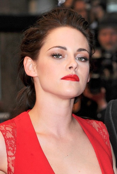 Kristen Stewart looked gorgeous wearing this loose braid at the Cannes Film Festival premiere of 'Cosmopolis.'