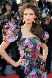 Bianca Balti swept her dark brown locks in a messy side ponytail for the 'Lawless' Red Carpet Premiere at Cannes.