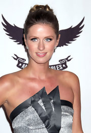 Nicky Hilton pulled her hair up in a classic bun for the 18th Annual Race to Erase MS event.