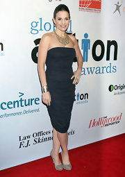 Kara DioGuardi sizzled at the 1st Annual Global Action Awards Gala in gray suede platform pumps.