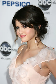 Selena's sweetly romantic ALMA Awards look with a pair of pale pink drop earrings.