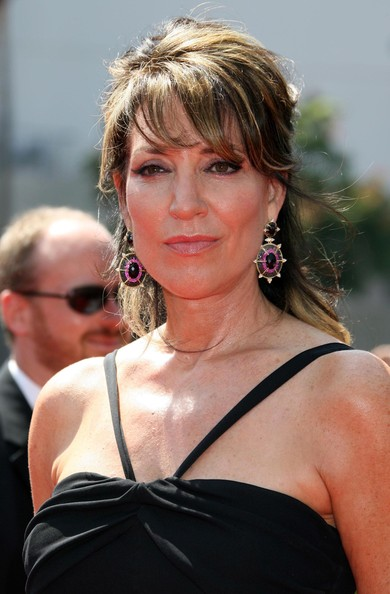 Katey Sagal was all dolled up in a halter dress, dangling earrings, and a glam half-up half-down 'do at the 2009 Emmys.