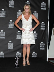 Chelsea Handler showed off an embroidered dress at the MTV Video Music Awards.