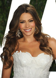 Sofia Vergara attended the 2012 Vanity Fair Oscar Party wearing her long luxe locks in flowing waves.