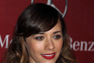 Rashida Jones' Easy to Manage Medium Hairstyle