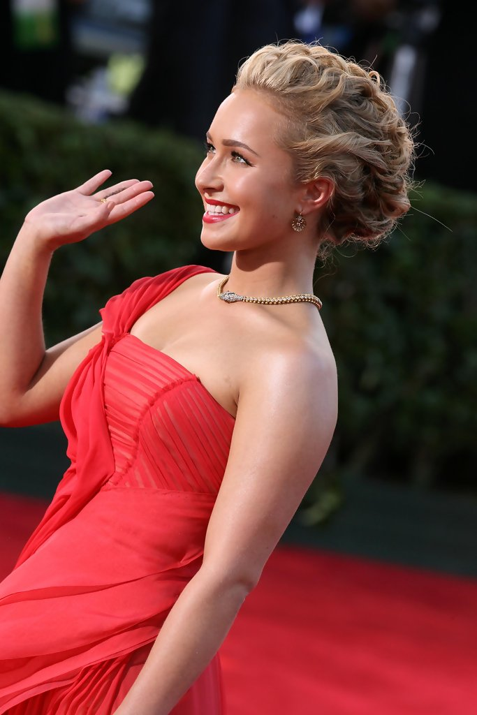 More Pics Of Hayden Panettiere Pinned Up Ringlets 4 Of 15