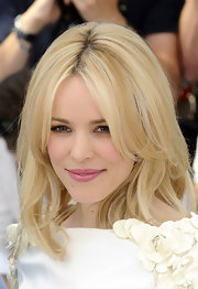 Rachel McAdams looked amazing at the Cannes Film Festival. Her center part blond tresses were perfectly layered with a slight curl.
