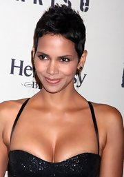 Halle looks beautiful in this short pixie cut.