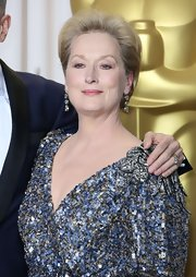 Meryl Streep showed her taste for classic elegance at the 2013 Oscars with triple drop diamond earrings.