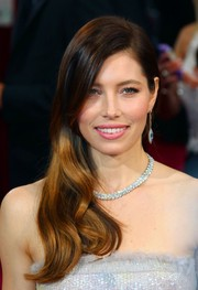 Jessica Biel amped up the glamour and luxury with a stunning diamond collar necklace by Tiffany & Co.