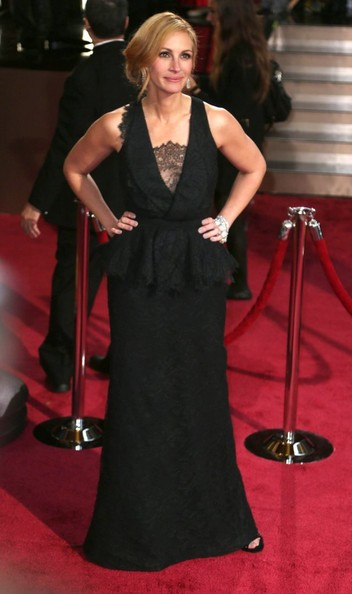 More Pics of Julia Roberts Evening Dress (1 of 4) - Evening Dress Lookbook - StyleBistro