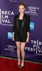 Amanda looked super sleek at the Tribeca Film Festival wearing a black blazer with a beaded lapel.