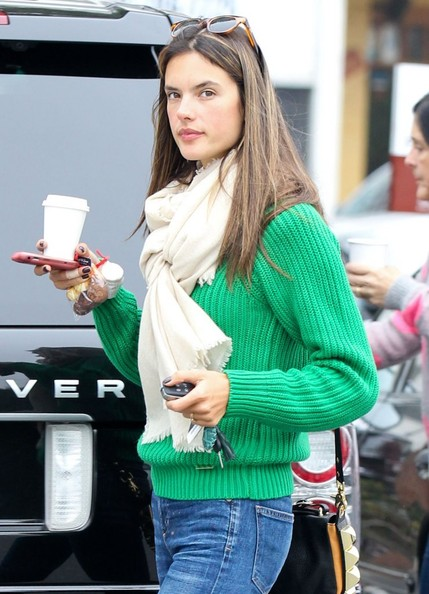 More Pics of Alessandra Ambrosio Skinny Jeans (3 of 8) - Skinny Jeans Lookbook - StyleBistro