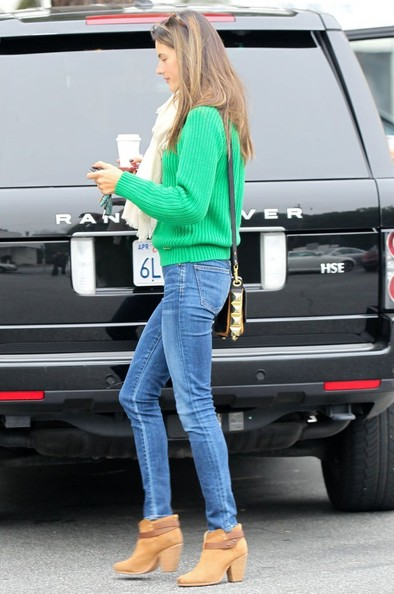 More Pics of Alessandra Ambrosio Skinny Jeans (2 of 8) - Skinny Jeans Lookbook - StyleBistro