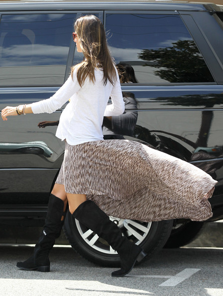 More Pics of Alessandra Ambrosio Knee Length Skirt (1 of 8) - Alessandra Ambrosio Lookbook - StyleBistro