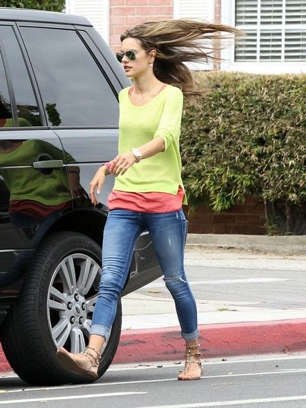 More Pics of Alessandra Ambrosio Crewneck Sweater (1 of 18) - Alessandra Ambrosio Lookbook - StyleBistro