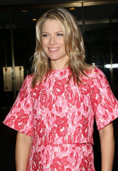 More Pics of Ali Larter Pencil Skirt (1 of 13) - Dresses & Skirts Lookbook - StyleBistro
