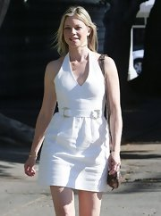 Amy Smart looked ready for a sunny day when she sported this classic and summery white halter.